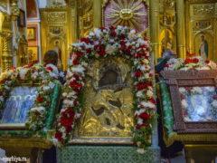 Митрополит совершил Божественную Литургию в Михайловском соборе