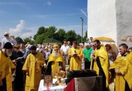 22 июля 2018 года, в Неделю 8-ю по Пятидесятнице, преддверие дня памяти святой княгини Ольги, в поселке Выбуты Псковского района прошли праздничные богослужения.