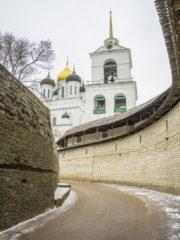 В Псковской епархии начинает свою работу Духовная Академия для мирян.