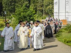 19 августа 2018 года, в праздник Преображения Господня, митрополит Псковский и Порховский Тихон совершил Божественную Литургию и праздничный молебен с крестным ходом в Спасо-Елеазаровском женском монастыре.