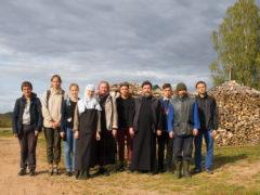 15 сентября 2018 года добровольцы направления Теологии Псковского Государственного Университета приняли участие в уборе урожая на Подворье Рождества Богородицы Снетогорского женского монастыря.