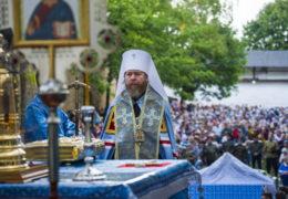 27 августа 2018 года, накануне праздника Успения Пресвятой Богородицы, митрополит Псковский и Порховский Тихон совершил Всенощное бдение в Свято-Успенском Псково-Печерском монастыре.