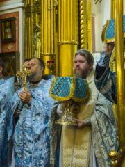 23 сентября 2018 года, в Неделю 17-ю по Пятидесятнице, митрополит Псковский и Порховский Тихон совершил Божественную Литургию в Михайловском Соборе Свято-Успенского Псково-Печерского монастыря.