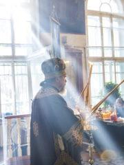 27 сентября 2018 года, в празднование Воздвижения Честного и Животворящего Креста Господня, митрополит Псковский и Порховский Тихон совершил Божественную Литургию в храме святителя Николая в Любятово города Пскова.