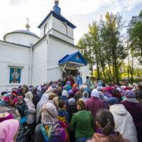"""1 октября 2018 года, в день прославления иконы Пресвятой Богородицы """"Старорусская"""" в городе Дно было совершено праздничное богослужение."""