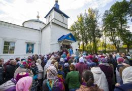 1 октября 2018 года, в день прославления иконы Пресвятой Богородицы «Старорусская» в городе Дно было совершено праздничное богослужение.