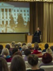 3 октября 2018 года митрополит Псковский и Порховский Тихон провел встречу со студентами и преподавателями Псковского государственного университета.
