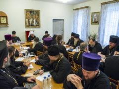 8 ноября 2018 года митрополит Псковский и Порховский Тихон провел рабочую встречу с руководителями Епархиальных отделов и благочинными Церковных округов епархии.