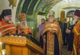 Вечером 7 ноября 2018 года, накануне дня памяти святого Димитрия Солунского в храме великомученика Димитрия города Пскова было совершено праздничное Всенощное бдение.