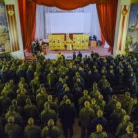В день памяти святого великомученика Димитрия Солунского в 104-м полку 76-й Черниговской Краснознаменной Ордена Суворова десантно-штурмовой дивизии ВДВ была совершена Божественная Литургия.