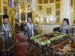Проповедь митрополита Псковского и Порховского Тихона перед Святой Плащаницей в Великую Пятницу