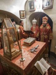 В ночь с 15 на 16 мая 2019 года архиепископ Берлинский и Германский Марк и митрополит Псковский и Порховский Тихон совершили Полиелейное богослужение и Божественную Литургию в Успенском храмеПсково-Печерского монастыря.