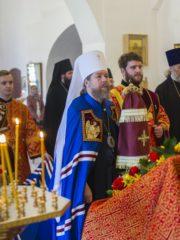 30 апреля 2019 года, во вторник Светлой седмицы, митрополит Псковский и Порховский Тихон совершил Божественную Литургию в Трехсвятительском соборе Спасо-Елеазаровского женского монастыря.