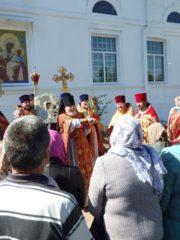 17 мая 2019 года в день прославления иконы Пресвятой Богородицы «Старорусская» в городе Дно было совершено праздничное богослужение.
