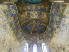 Реставраторы исследуют фрески XII века в Мирожском монастыре