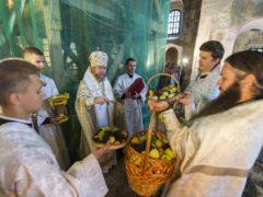 19 августа 2019 года, в празднование Преображения Господня, митрополит Псковский и Порховский Тихон совершил Божественную Литургию в Спасо-Преображенском Мирожском монастыре.