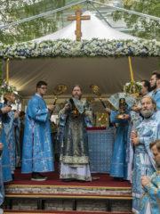 30 августа 2019 года, в попразднство Успения Пресвятой Богородицы, митрополит Псковский и Порховский Тихон совершил Божественную Литургию в Свято-Успенском Псково-Печерском монастыре.