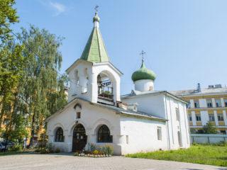 Храм Преполовения Пятидесятницы – (подворье Елеазаровского монастыря)