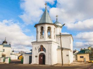 Храм Покрова Пресвятой Богородицы «от Торгу» (подворье Псково-Печерского монастыря)