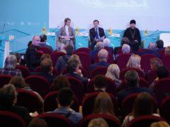 14 ноября 2019 года митрополит Псковский и Порховский Тихон принял участие в дискуссии «Духовные крепости России».