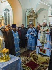 3 декабря 2019 года, накануне праздника Введения во храм Пресвятой Богородицы, митрополит Псковский и Порховский Тихон совершил всенощное бдение в Троицком соборе города Острова.