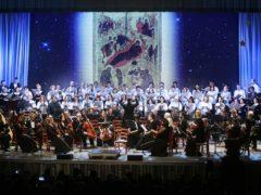 10 января 2020 года в большом концертном зале Псковской филармонии состоялся традиционный праздничный концерт, посвященный Рождеству Христову и Новому 2020 году благости Божией.