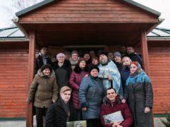 Часовня в деревне Иваново Болото получила на Крещение Господне подарок от Воскресной школы Псково-Печерского монастыря