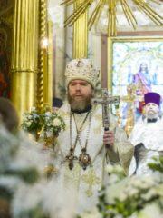 8 января 2020 года, в праздник Собора Пресвятой Богородицы, митрополит Псковский и Порховский Тихон совершил Божественную Литургию в Михайловском соборе Псково-Печерского монастыря.