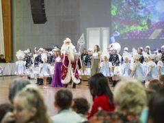 В городе Пскове прошла Рождественская епархиальная ёлка для детей.