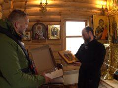 Видеорепортаж: Российские полярники рассказали о передаче иконы из Псково-Печерского монастыря