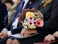 Причастные тайне жизни: Псковская епархия приняла участие в праздновании 90-летия Псковского медколледжа