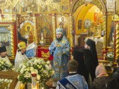 В праздник Сретения Господня в Псково-Печерском монастыре прошел престольный праздник.