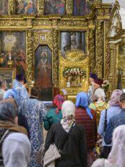 Накануне дня прославления Чирской иконы Пресвятой Богородицы, в Свято-Троицком кафедральном соборе города Пскова было совершено Всенощное бдение