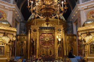 Свято-Успенский Псково-Печерский монастырь открывает для паломников храмы и пещеры