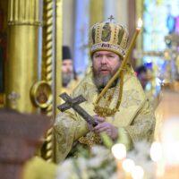 В Неделю 24-ю по Пятидесятнице митрополит Псковский и Порховский Тихон совершил Божественную литургию в Псково-Печерском монастыре