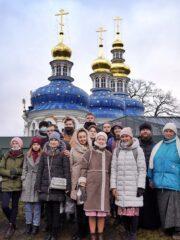 В ходе практической части обучения обучающиеся «Школы волонтеров наследия» посетили Свято-Успенский Псково-Печерский монастырь