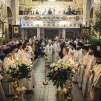 6 января 2021 года, в Навечерие Рождества Христова, митрополит Псковский и Порховский Тихон совершил Божественную Литургию в Свято-Успенском Псково-Печерском монастыре