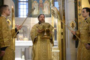 28 февраля 2021 года, в Неделю о блудном сыне митрополит Псковский и Порховский Тихон совершил Божественную литургию в Сретенском монастыре города Москвы