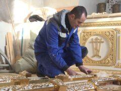 В Псковском храме Варлаама Хутынского создают керамический иконостас