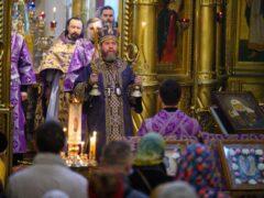 28 марта 2021 года, в Неделю 2-ю Великого поста, митрополит Псковский и Порховский Тихон совершил Божественную литургию в Свято-Успенском Псково-Печерском монастыре