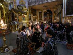 28 марта 2021 года, накануне понедельника 3-й седмицы Великого поста, митрополит Псковский и Порховский Тихон совершил чтение Акафиста страстям Христовым (Пассию) в Псково-Печерском монастыре