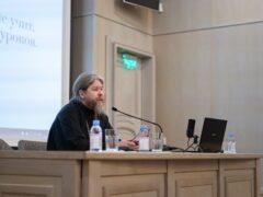 Митрополит Псковский и Порховский Тихон встретился со студентами Сретенской семинарии