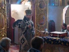 21 апреля 2021 года, в среду 6-й седмицы Великого поста, митрополит Псковский и Порховский Тихон совершил Божественную литургию Преждеосвященных Даров в Псково-Печерской обители