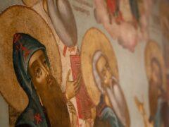 В музейном комплексе «Двор Постникова» состоялась презентация выставки «Возвращенный шедевр – икона «Святая Троица с избранными святыми»
