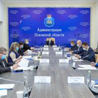 Возрождение объектов культурного наследия в Псковской области обсудили с главой Минстроя