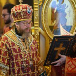 3 мая 2021 года, в понедельник Светлой седмицы, митрополит Псковский и Порховский Тихон совершил Божественную литургию в Свято-Успенском Псково-Печерском монастыре