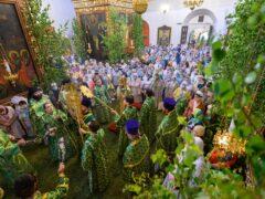 20 июня 2021 года, в день Святой Троицы, митрополит Псковский и Порховский Тихон совершил Божественную литургию в Свято-Троицком кафедральном соборе города Пскова