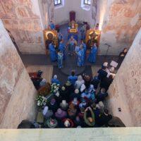 21 сентября 2021 года, в праздник Рождества Пресвятой Богородицы митрополит Псковский и Порховский Тихон совершил Божественную литургию в соборе Рождества Пресвятой Богородицы Снетогорского монастыря