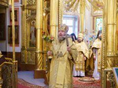 24 октября 2021 года, в Неделю 18-ю по Пятидесятнице, митрополит Псковский и Порховский Тихон совершил Божественную литургию в Свято-Успенском Псково-Печерском монастыре